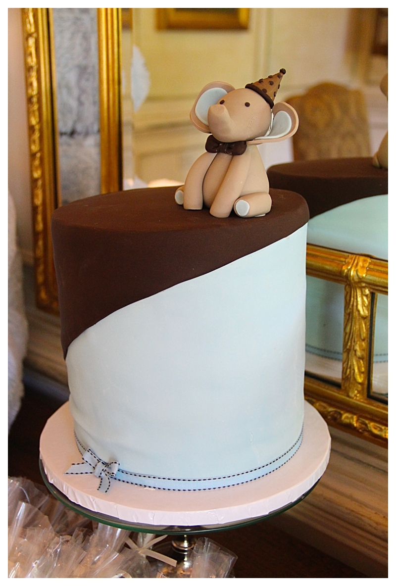 See the detail on this cake